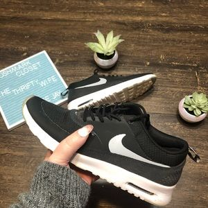 Nike Air Max Thea Black & White Preloved Size 8.5
